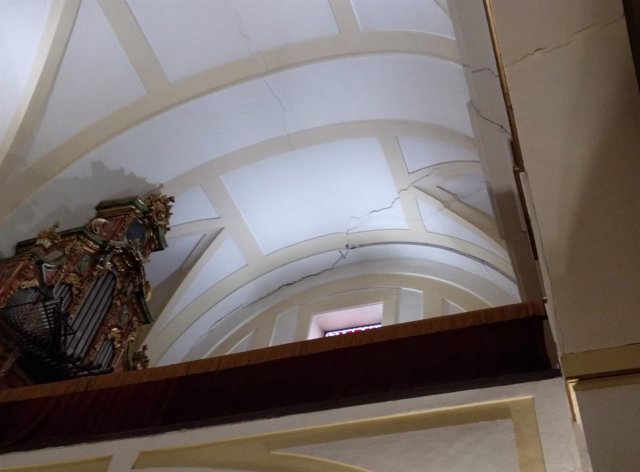 Grietas en la iglesia de San Salvador de Leganés