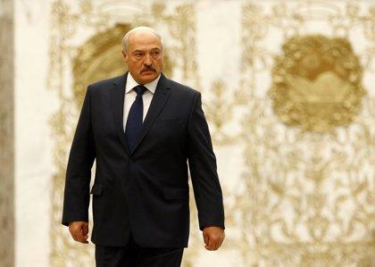 Lukashenko dice que Bielorrusia podría aplicar controles en la frontera con Rusia si Moscú hace lo propio
