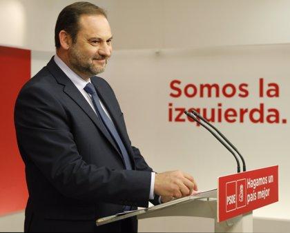 """Ábalos dice que la composición del Gobierno se conocerá la próxima semana: """"No va a haber precipitación"""""""