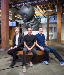 Chris Wanstrath, Satya Nadella y Nat Friedman