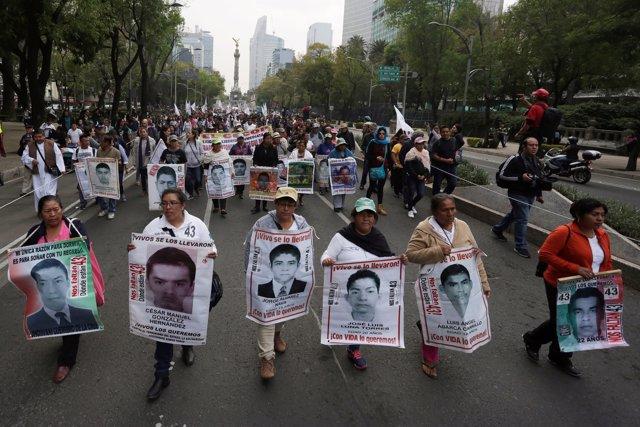 Imagen de archivo de una manifestación por los 43 estudiantes de Ayotzinapa