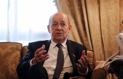 """Francia advierte de que los planes de enriquecimiento de uranio de Irán se aproximan a la """"línea roja"""""""