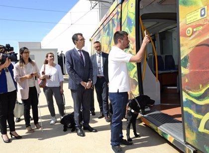 Murcia, primera ciudad española en implantar un sistema que permitirá que invidentes se muevan con libertad en tranvía
