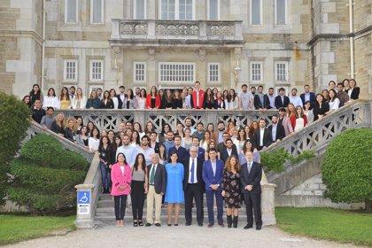 El Colegio de Médicos da la bienvenida a 103 nuevos residentes