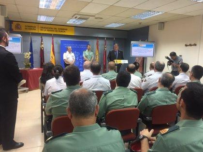 """Bernabé se despide elogiando la """"ejemplaridad"""" de los agentes encargados de vigilar las vías del tren"""