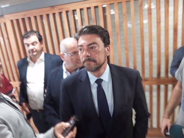 Luis Barcala, en la sala de prensa del Ayuntamiento, esta semana