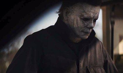 Michael Myers vuelve a aterrorizar a Jamie Lee Curtis en las primeras imágenes del nuevo Halloween