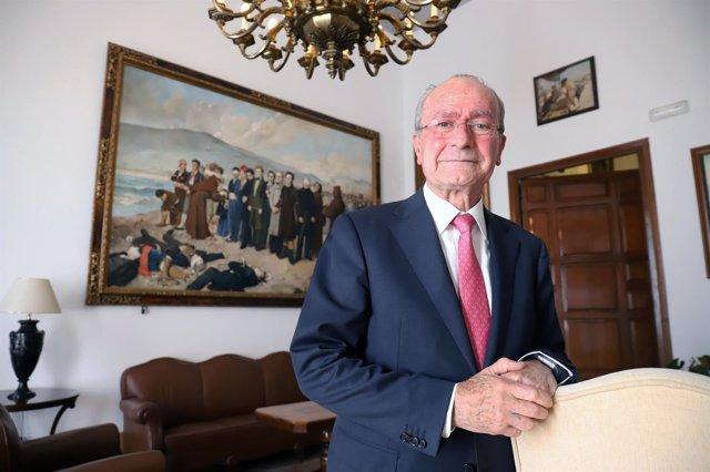 El alcalde de Málaga, Francisco de la  Torre , en Alcaldía