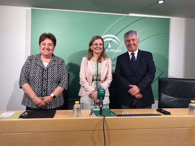 Francisca Antón, Marina Álvarez y Javier Marión