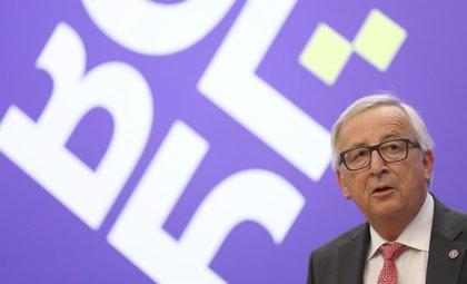 Juncker evita posicionarse sobre la idea de varios países miembros de crear centros de asilo fuera de la UE