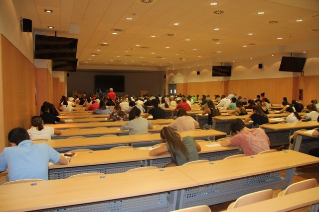 Estudiantes realizando las pruebas el pasado año