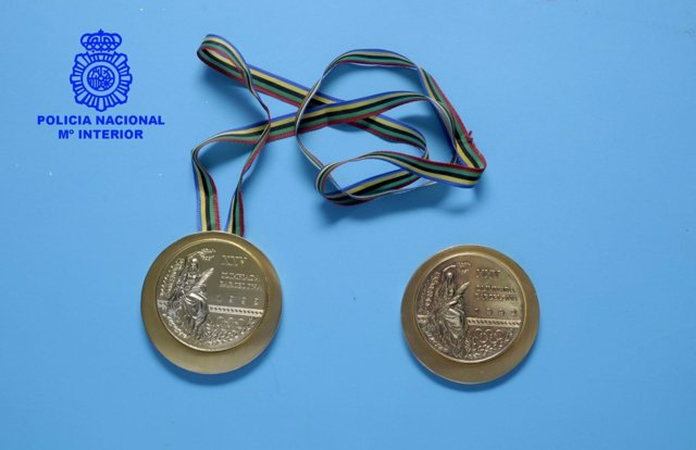 Medallas sustraídas y recuperadas del Museo del Deporte de Santander