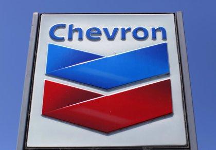 Venezuela libera a dos directivos de Chevron detenidos en abril