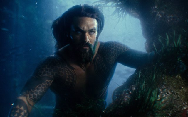 Jason Momoa es Aquaman en Liga de la Justicia