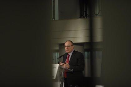 Linde finaliza su mandato como gobernador del Banco de España y será sustituido por Hernández de Cos