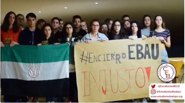 Alumnos encerrados en Badajoz