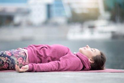 Ejercicio de relajación paso a paso para jóvenes estresados