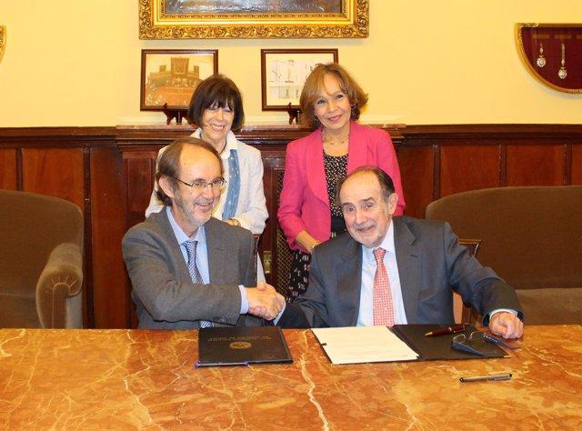 Jorge Sierra, pte. De la SEHH, y  Joaquín Poch, presidente de la RANM