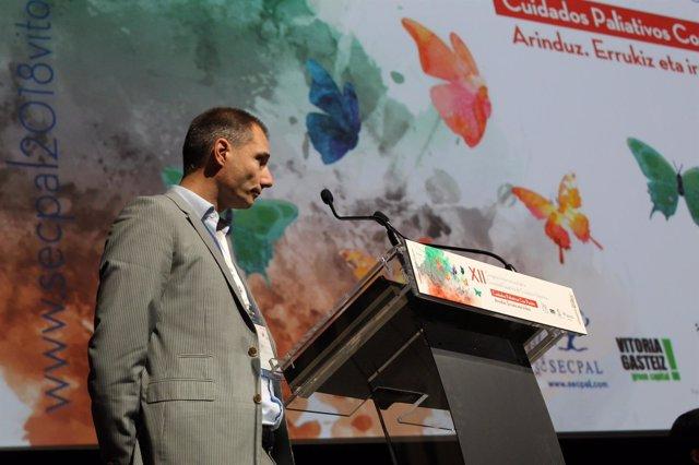El investigador Jeroen Hasselaar durante el Congreso de la SECPAL