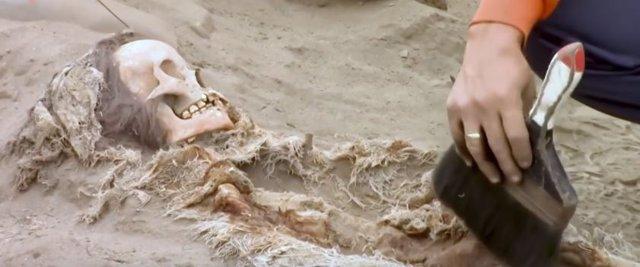 Restos óseos hallados en Huanchaco, Perú