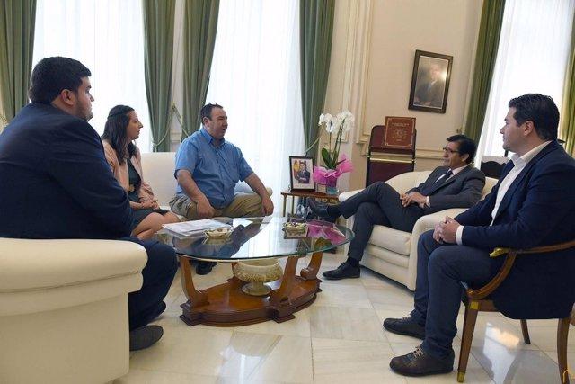 Reunión entre José Manuel Caballero y Félix Herrera