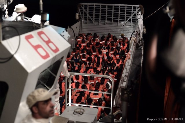 Inmigrantes rescatados por el 'Aquarius' en el Mediterráneo Central