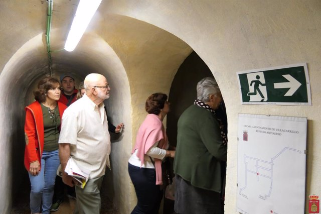 Visita al refugio antiaéreo de Villacarrillo