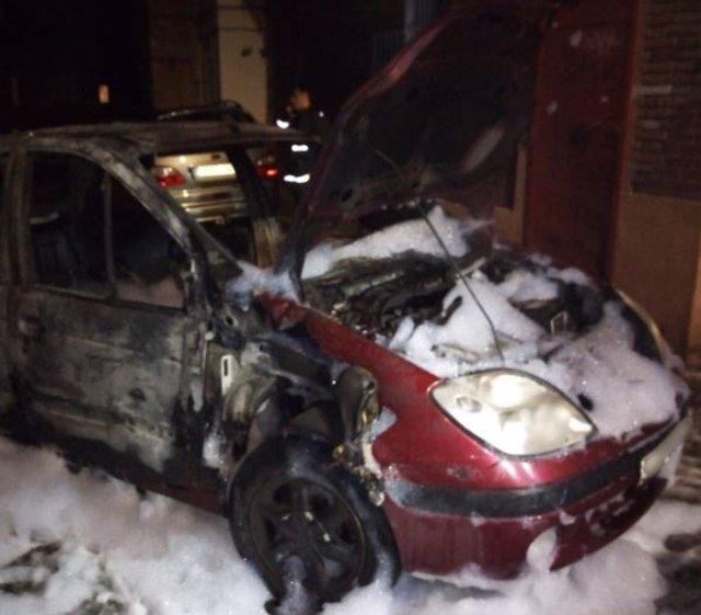 Valladolid.- Uno de los coches afectados por las llamas