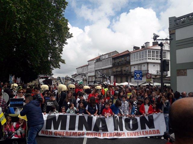Manifestación en Santiago contra la Mina de Touro - O Pino