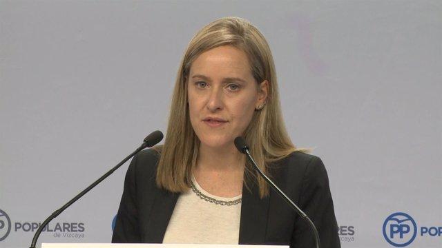 Amaya Fernández en una rueda de prensa en Bilbao.