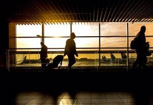 Viajeros, viajes, turistas, maletas