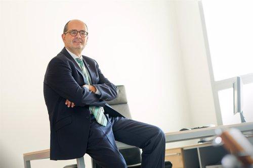 El rector de la Universidad San Jorge, Carlos Pérez Caseiras