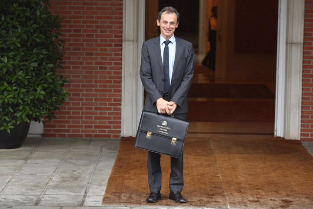 Pedro Duque, ministro de Ciencia, llega a su primer Consejo de Ministros