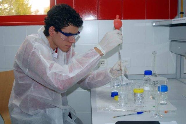 El Govern convoca por primera vez ayudas a la excelencia académica para alumnos de grado de Baleares