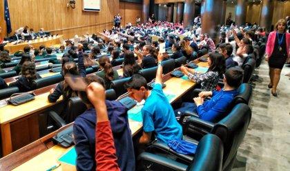 Los niños se comprometen en el Congreso contra la violencia infantil