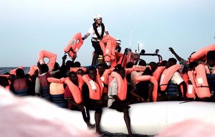 El rescate de inmigrantes del barco 'Aquarius', en imágenes