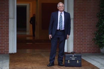 """Borrell, sobre el Aquarius: """"Sin duda es una victoria para la gente que está en el barco"""""""