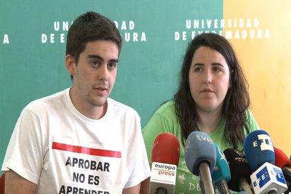 """Estudiantes rechazan la dimisión del vicerrector de Estudiantes de UEx por su trato """"extraordinario"""" con los afectados"""
