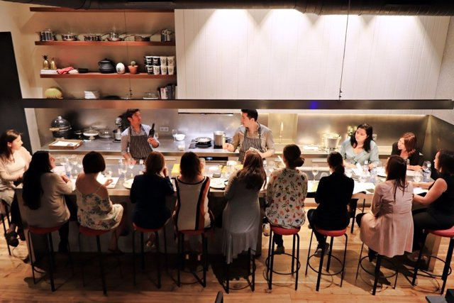 Talleres en la Cocina Experimental de Ovejas Negras Company en Sevilla