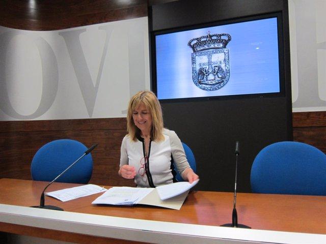 La concejala de Atención a las Personas, Marisa Ponga, en rueda de prensa