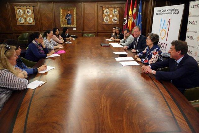 Convocadas Las Ayudas Directas Del Ayuntamiento De León A Las Ampas Y Los Centro