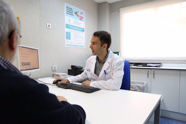 El hepatólogo del Hospital Vall d'Hebron Salvador Agustín