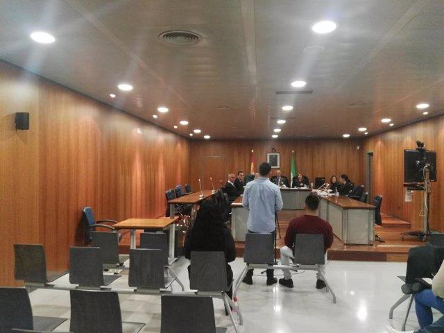 Juicio hermanos acusados abusar de dos mujeres.