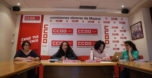 Isabel Galvín junto a otras representantes de CCOO en rueda de prensa