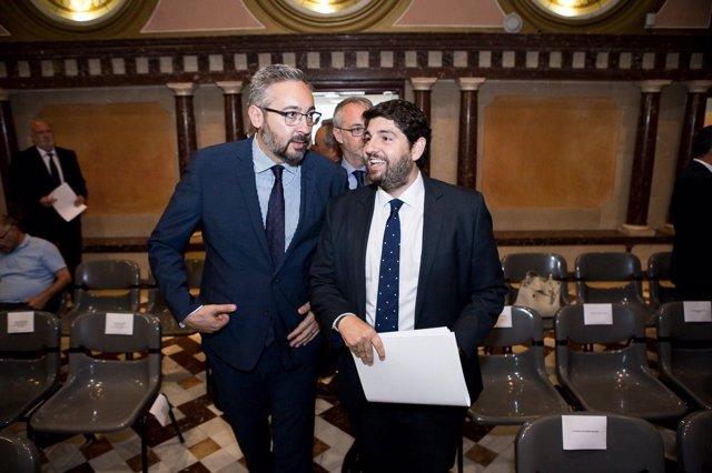 Víctor Martínez junto a López Miras Debate Estado Región