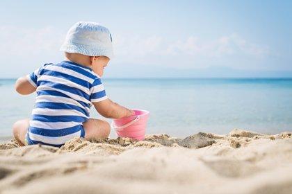 ¿Cómo protejo a mi hijo del sol? 10 consejos para evitar quemaduras entre los más pequeños