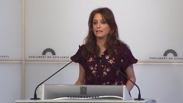 Andrea Levy, diputada del PP en el Parlament de Cataluña, en rueda de prensa