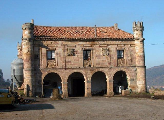 El Palacio de Ceballos en Cayón entra en la lista roja del patrimonio