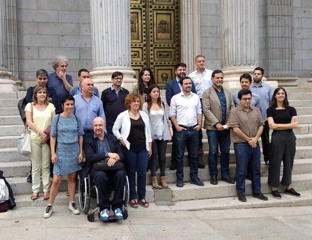 Representantes de Ayuntamientos de Podemos y confluencias