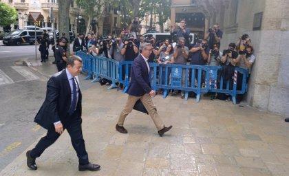 Torres llega a la Audiencia de Palma para recibir la orden de entrada en prisión